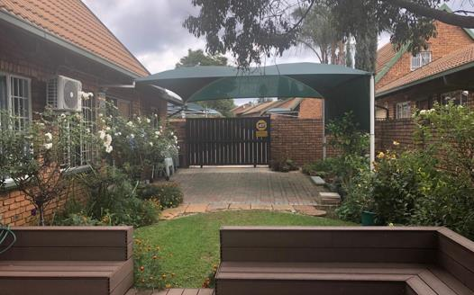 4 Bedroom Apartment / Flat for sale in Garsfontein