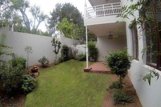 Townhouse to rent in Craighall Park - Johannesburg