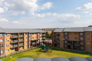 2 Bedroom Apartment / flat to rent in Wierda Park - Centurion