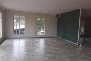 Commercial property to rent in Helderkruin - Roodepoort