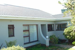 3 Bedroom House to rent in Stilbaai Wes - Stilbaai