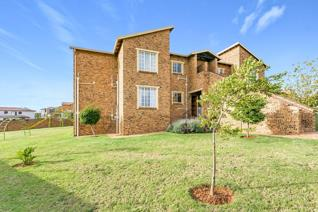 3 Bedroom Townhouse for sale in Strubensvallei - Roodepoort