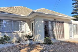 3 Bedroom House for sale in Oakdale - Bellville