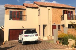 3 Bedroom Townhouse to rent in Chancliff A H - Krugersdorp