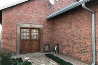 3 Bedroom Townhouse to rent in Standerton Central - Standerton