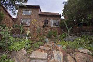 3 Bedroom Townhouse for sale in La Montagne - Pretoria