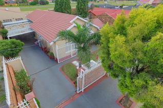 5 Bedroom House for sale in Lenasia South - Johannesburg