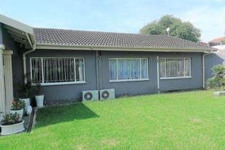 4 Bedroom House for sale in Rose Park - Ladysmith