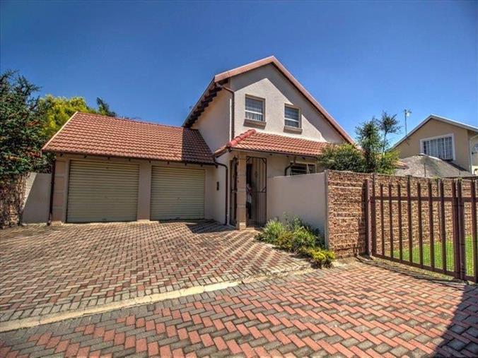 Amazing 4 Bedroom House For Sale In Pomona 15 Brampton Bridge Home Interior And Landscaping Eliaenasavecom