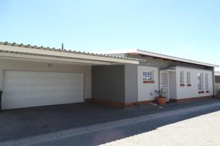 3 Bedroom Townhouse for sale in Waterval East - Rustenburg