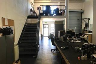 Industrial property to rent in Barbeque Downs - Midrand