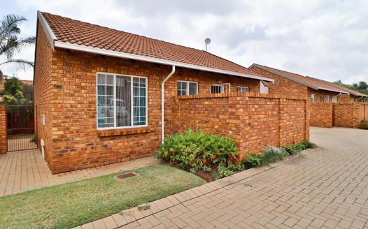 2 Bedroom Townhouse for sale in Amberfield