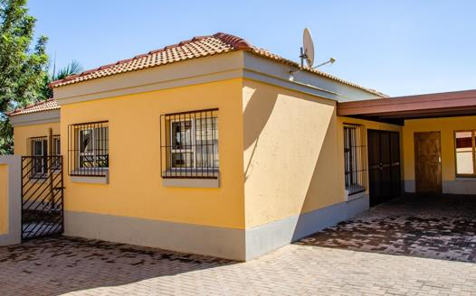 3 Bedroom House for sale in Annlin