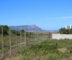 Vacant Land / Plot for sale in Heuningkloof