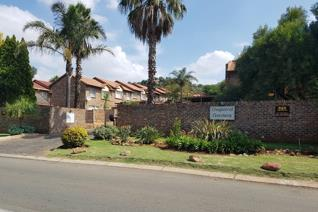 2 Bedroom Townhouse for sale in Glenvista - Johannesburg