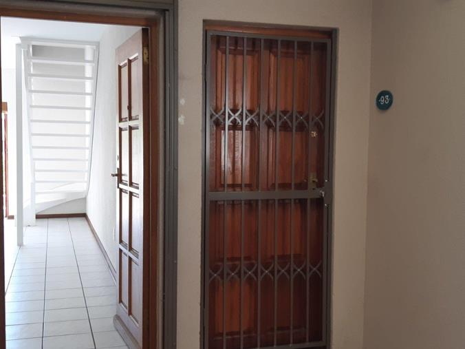 2 Bedroom Townhouse for sale in Bedfordview - 94 Van Buuren