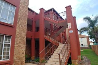 2 Bedroom Apartment / flat for sale in Die Hoewes - Centurion