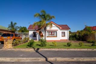 3 Bedroom House for sale in Fairfield Estate - Parow