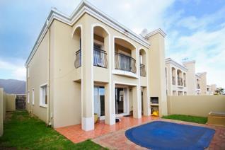 3 Bedroom Townhouse for sale in Gordons Bay Central - Gordons Bay