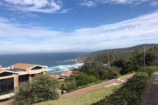 Fully furnished 1 bedroom flat to rent in Heroldsbay.  The breathtaking views of the Heroldsbay main beach and in the distance and ...