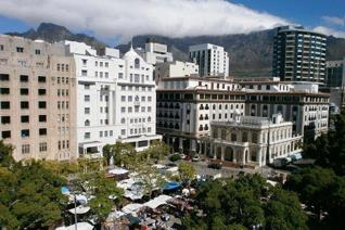 2 Bedroom Apartment / flat on auction in Cape Town City Centre - Cape Town