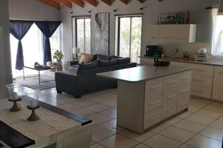 Three bedroom unfurnished house for rent in Yzerfontein.