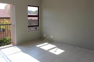 2 Bedroom Apartment / flat for sale in Wilro Park - Roodepoort