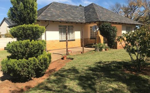 3 Bedroom House for sale in Stilfontein Ext 3