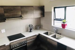 Stunning 2 bedroom 2 bath top floor apartment, Spacious bedrooms with full bathrooms, a ...