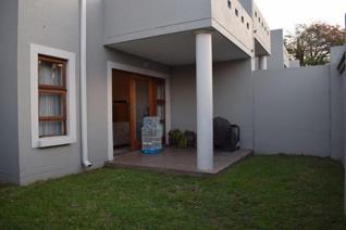 3 Bedroom Townhouse to rent in Oaklands - Johannesburg