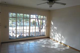 Three Bedroom family home to Rent  Compact 3 bedroom house to rent in Karenpark, close to Wonderpark Mall. Large garden with one lock ...