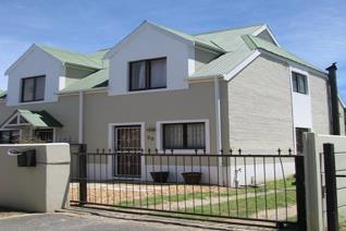 2 Bedroom Townhouse to rent in Bridge Water - Somerset West