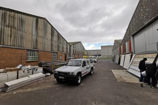 This spacious 658m2 Industrial Warehouse TO RENT is centrally located in Triangle Farm Bellville.  The unit can be easily accessed by ...