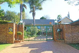 3 Bedroom House for sale in Glenvista - Johannesburg