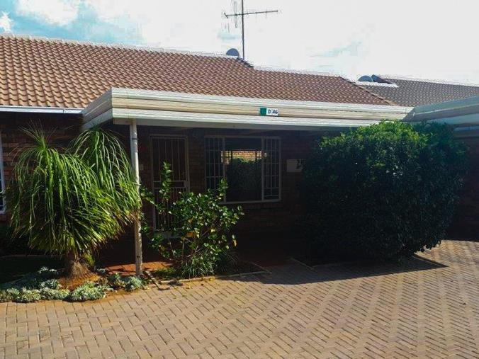 2 Bedroom House for sale in Die Hoewes - Centurion - P24-107372750