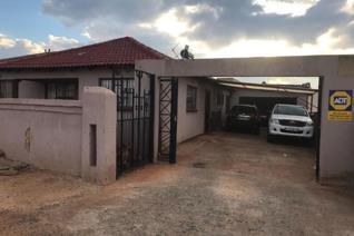 4 Bedroom House for sale in Ennerdale - Johannesburg