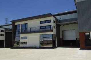 Industrial property to rent in Kosmosdal - Centurion