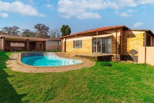 3 Bedroom House for sale in Horison View - Roodepoort