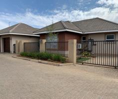 Townhouse for sale in Shellyvale