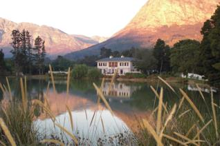 Close to Franschhoek village this 4 hectare estate is enjoys spectacular views in every direction. This property combines the best of ...