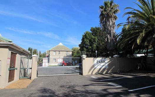 Durbanville Central Property : Apartments / flats for sale