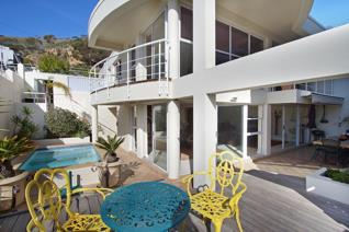 Nestled below Ocean View Drive at the end of a quiet cul-de-sac, this spacious property is the perfect home for someone who likes to ...