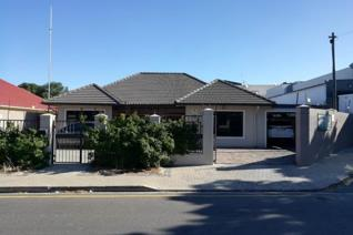 3 Bedroom Townhouse to rent in Avondale - Parow