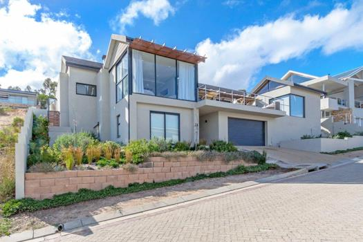 4 Bedroom House for sale in Fairhaven Country Estate