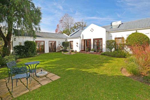 4 Bedroom House for sale in Constantia