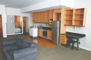3 Bedroom Apartment / flat on auction in Cape Town City Centre - Cape Town
