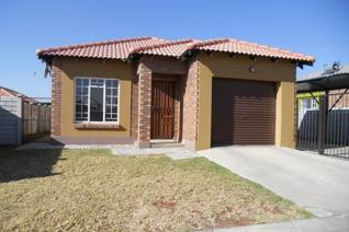 3 Bedroom House to rent in Waterval East - Rustenburg