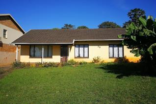 Neat family home to let in Stanger Manor, Kwa-Dukuza. The home features an open plan ...