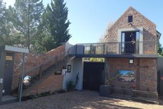 2 Bedroom House for sale in Dan Pienaar - Bloemfontein