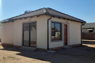 Lovely family house with 2 bedroom 1 bathroom, kitchen and a nice lounge this is a good ...